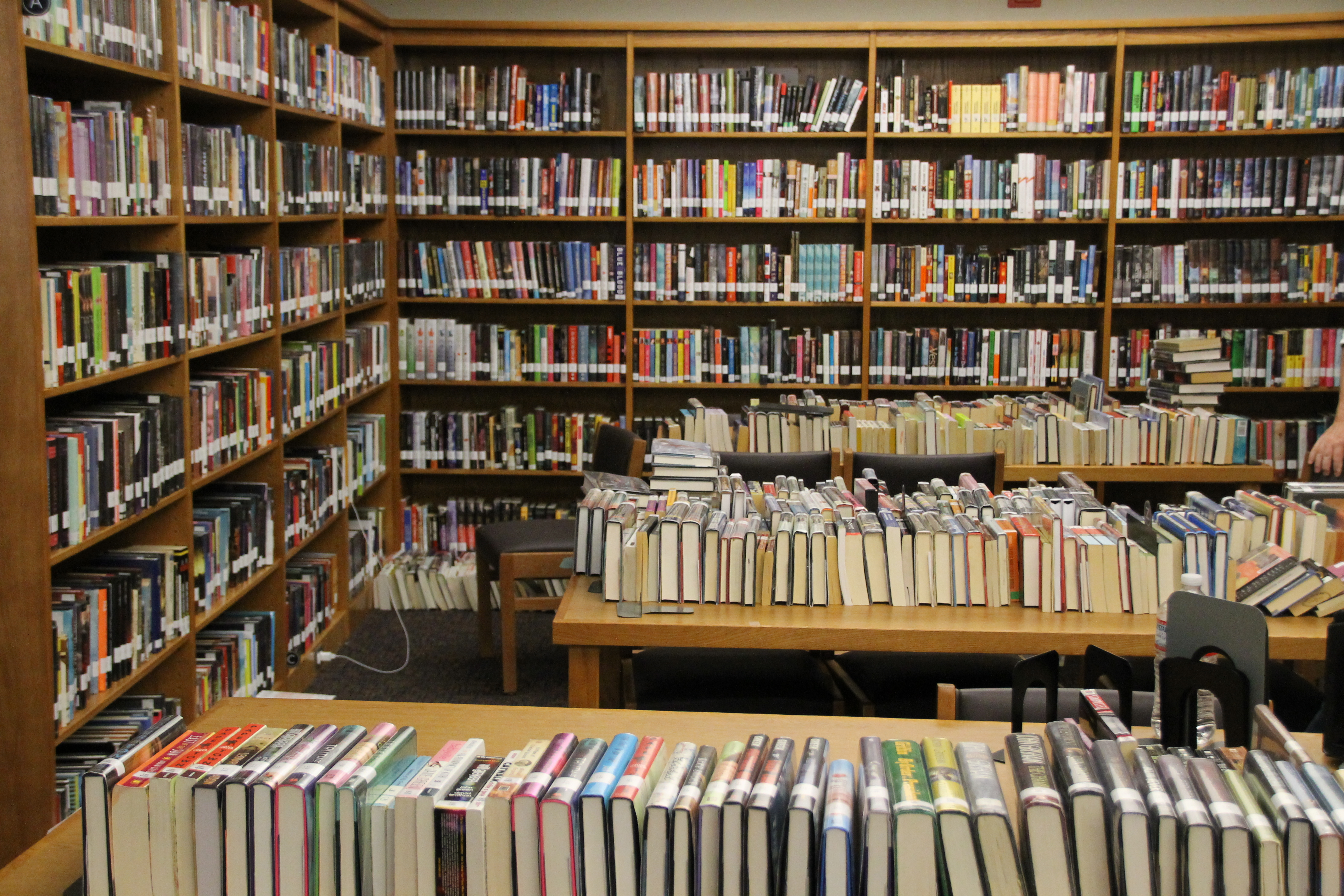 Library To Receive 10,000 New Books