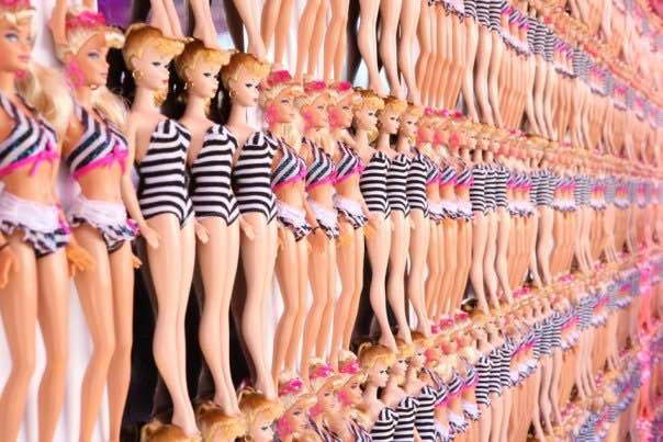 Not Barbies: American Apparel Contributes to Unrealistic Beauty Standards
