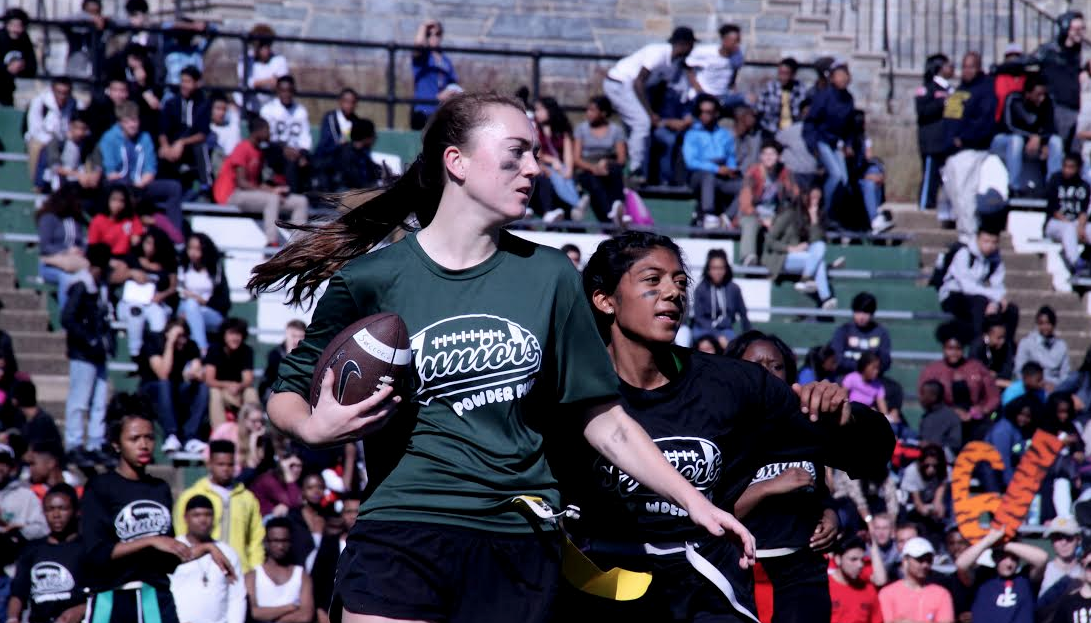Video: Seniors and juniors compete in 2015 Powderpuff game