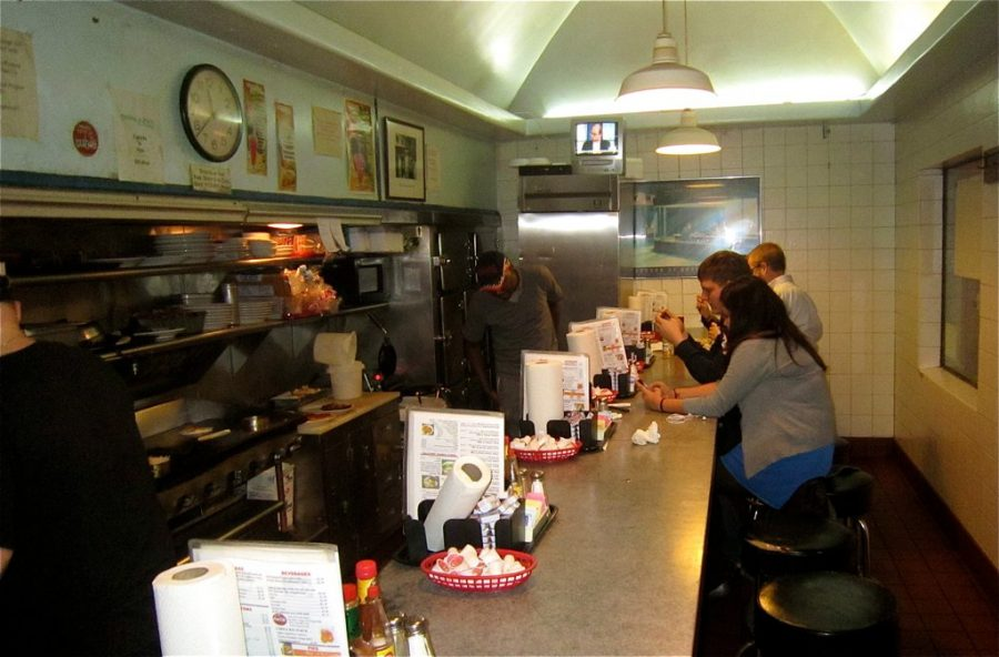 Beloved Tenley restaurant recovers after robbery