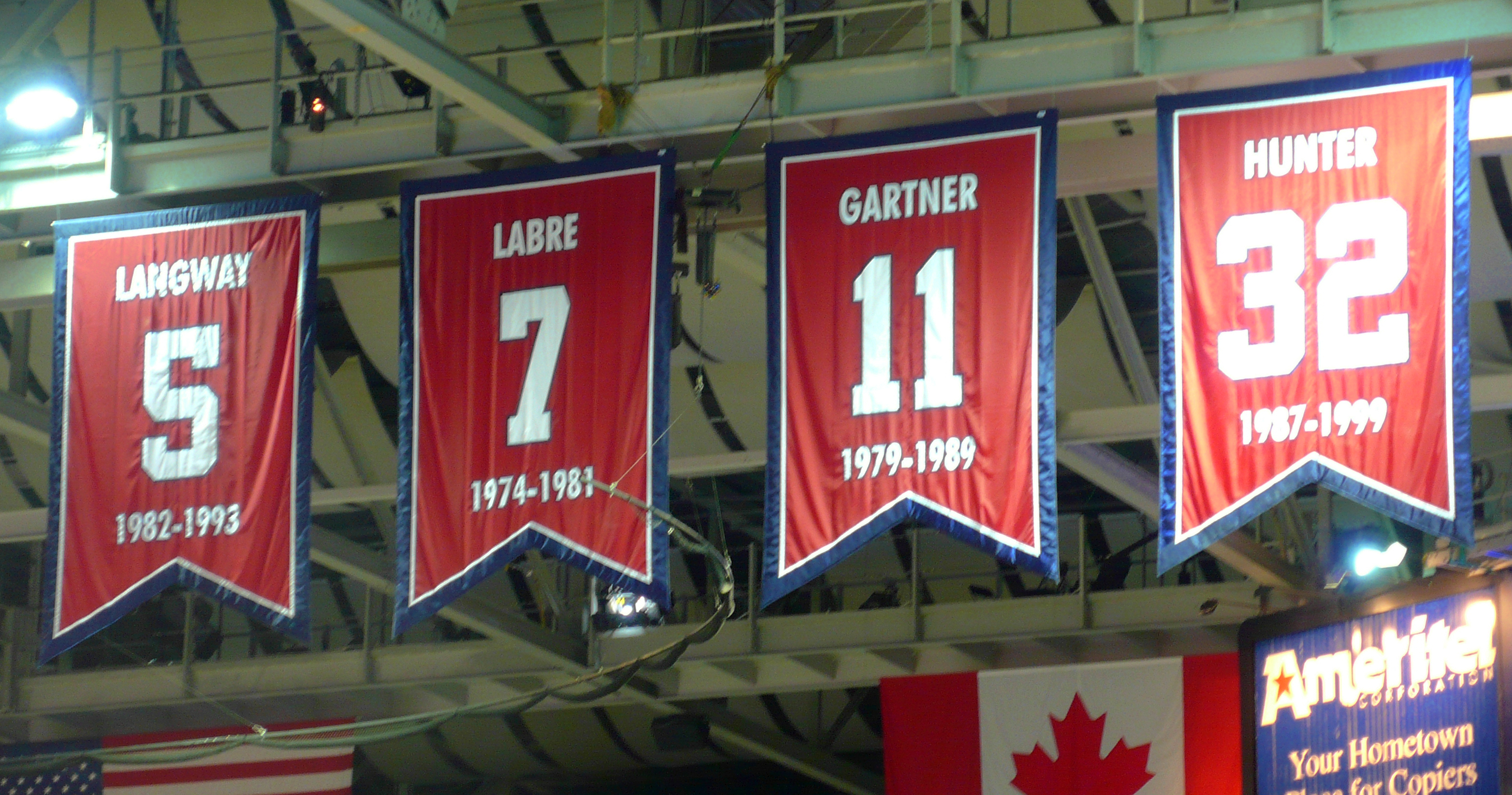 Phil Chenier deserves a spot in the rafters
