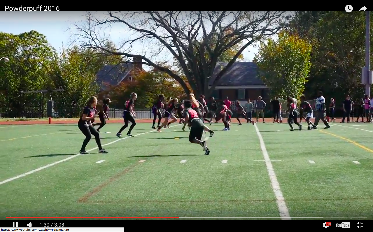 VIDEO: Seniors and juniors battle in Powderpuff 2016