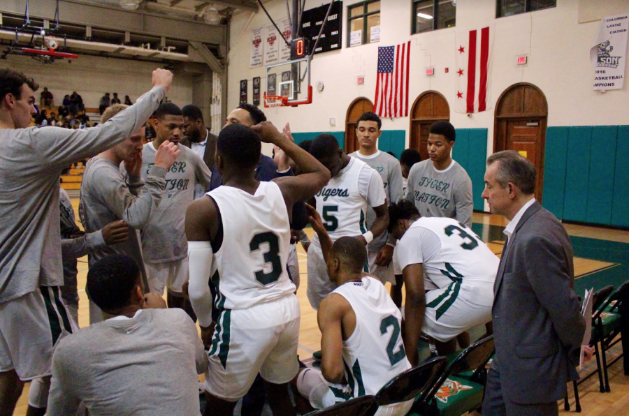 Loaded basketball team begins season with tremendous expectations