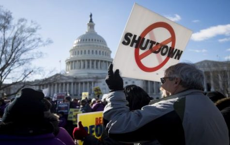 Government shutdown jeopardizes federal workers' livelihoods