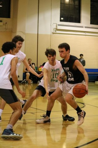 Students hoop in Jelleff rec league